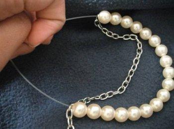 Делаем простой и женственный браслет