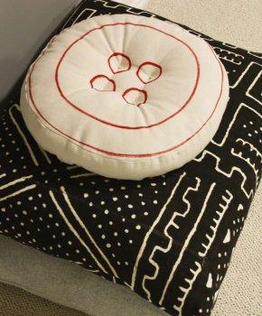 Как сделать подушку в виде пуговицы?