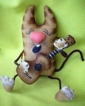 Игрушка «Кот с гитарой»