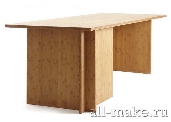 стол близкими руками
