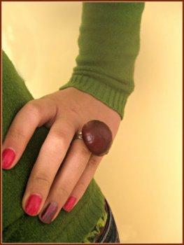 Необычное осеннее кольцо из каштана
