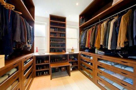 Особенности гардеробных на заказ