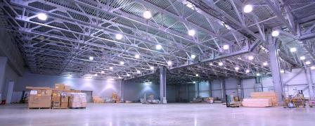 Освещение складских помещений: преимущества светодиодов