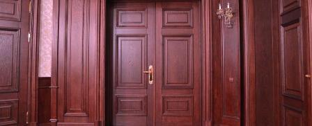 Натуральные двери из древесного массива