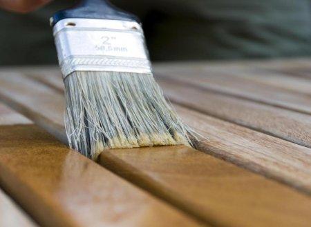 """Лаки краски для дерева от нашей компании """"Бионик Хаус"""" отлично защитят  дерево."""