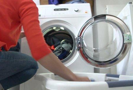 Как сделать стиральную машину из подручных средств.