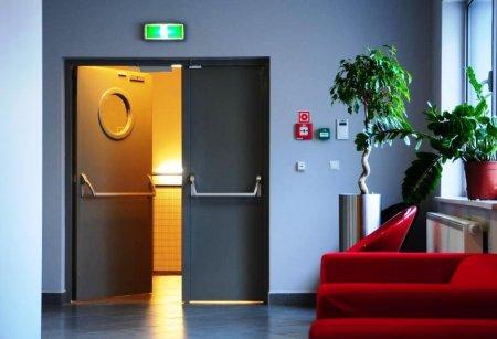 Противопожарные двери: виды, характеристики, применение